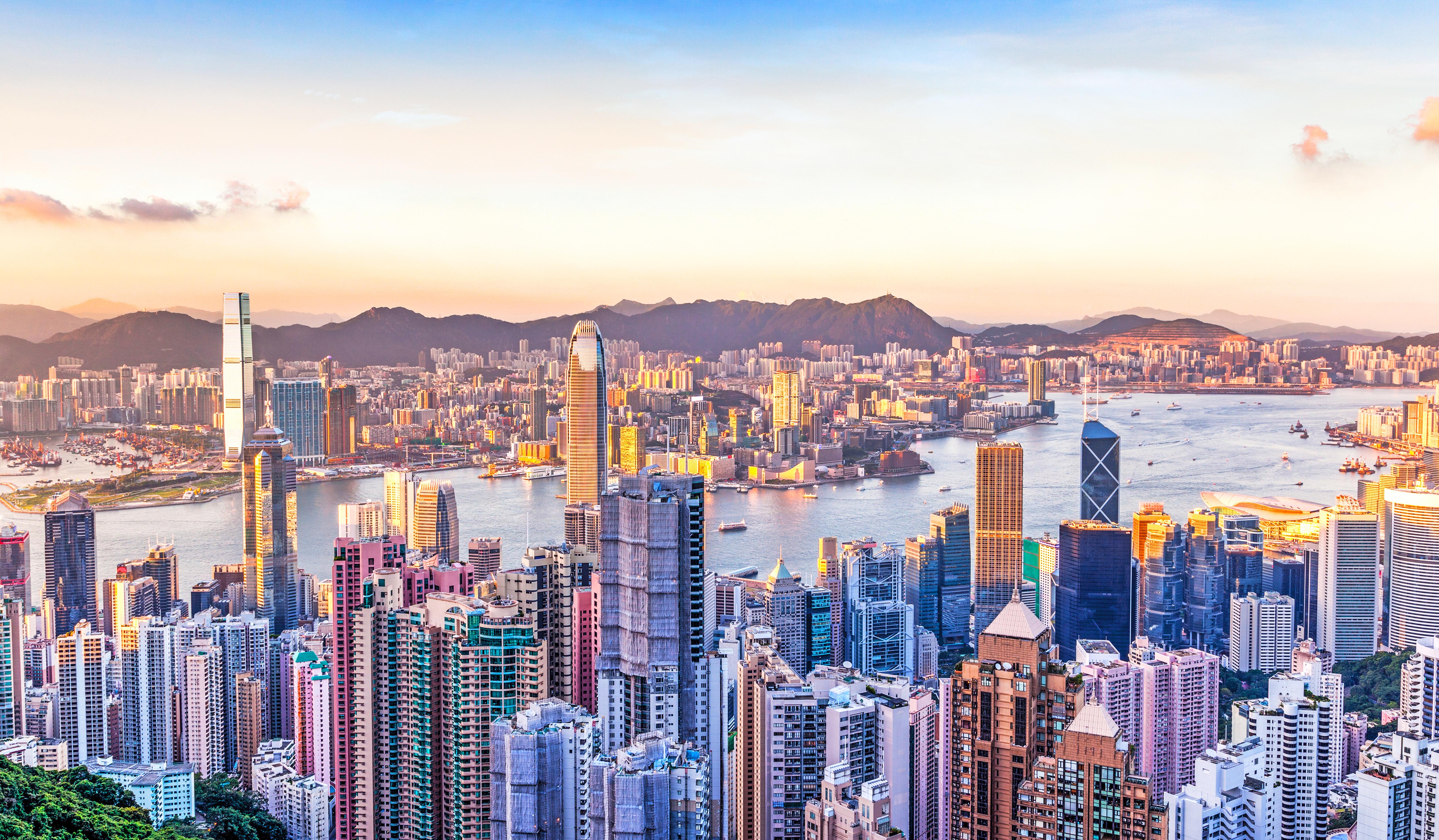 China_Hong_Kong_shutterstock_170638406