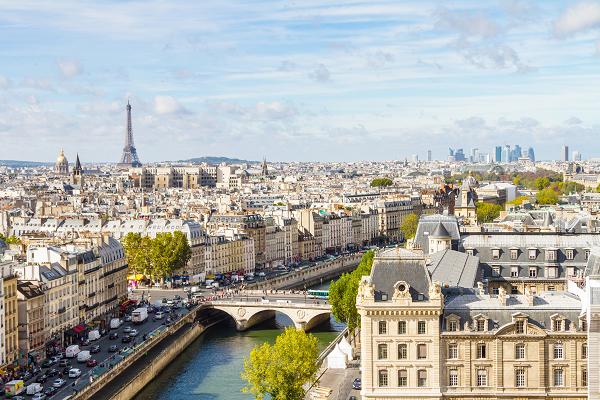 FR_Paris_France_Eiffel_Tower_shutterstock_131476514.png