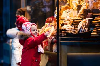 Germany_ChristmasMarkets_HeroImage_People_shutterstock_497547616-1