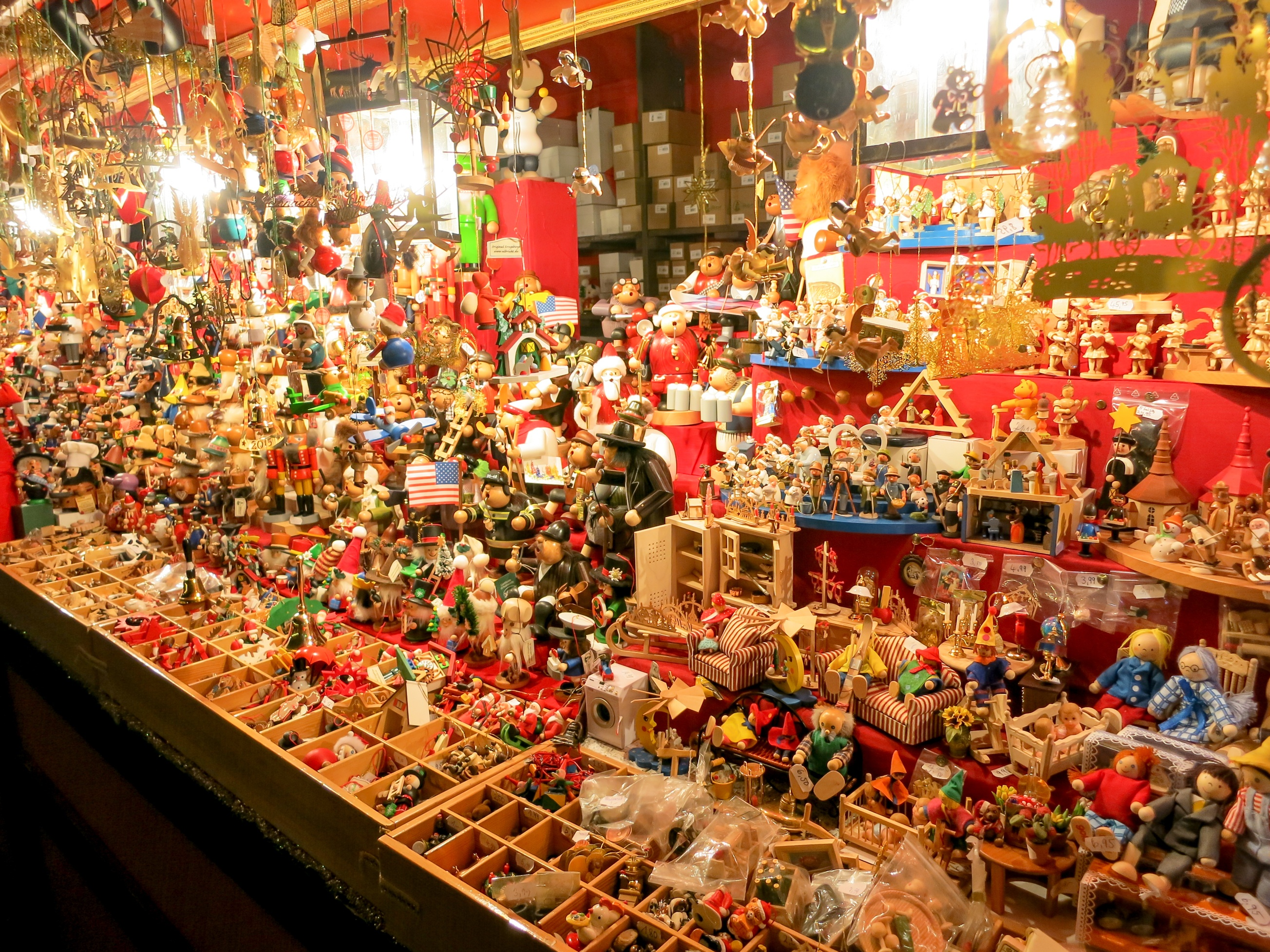 Germany_ChristmasMarkets_Sights_shutterstock_523664338-1